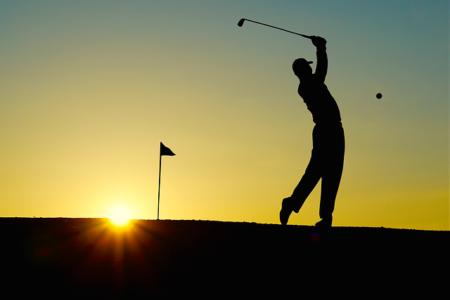 Golf Digest : Balle de golf en plein pare-brise